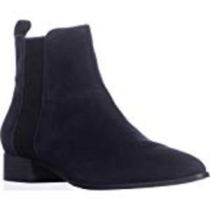 DKNY Womens Talie Pointed Toe Ankle Chelsea Boots